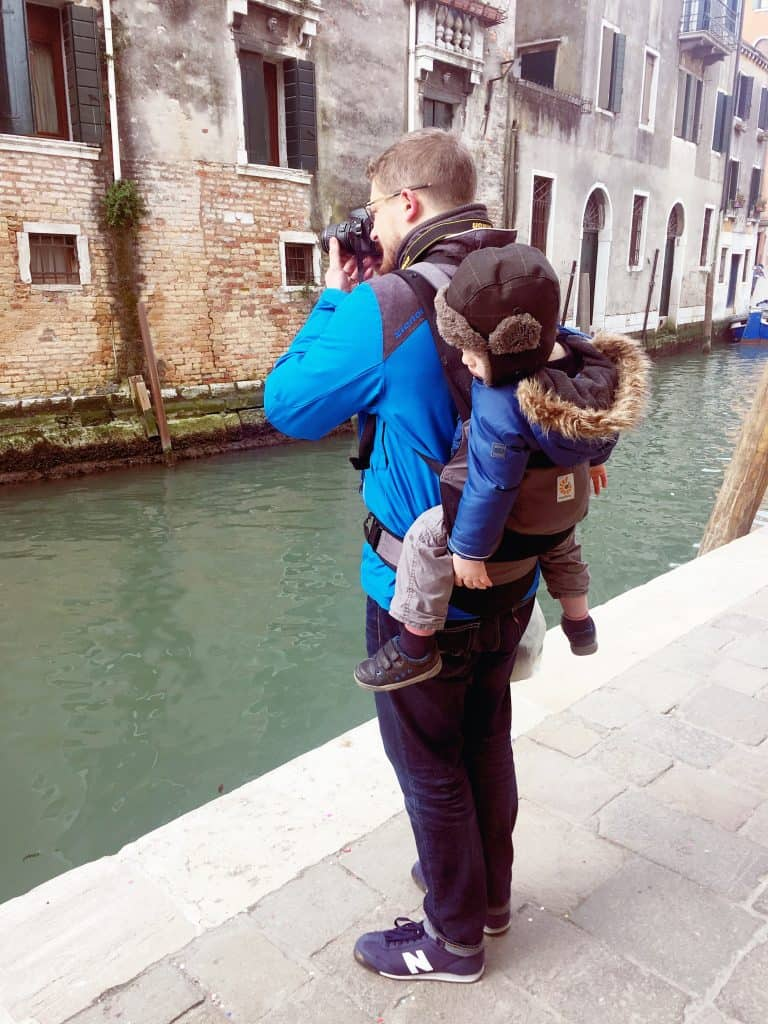 24 hours in Venice..Photo tour with Marc de Tollenaere. As usual the Ergobaby helped us moving around smoothly
