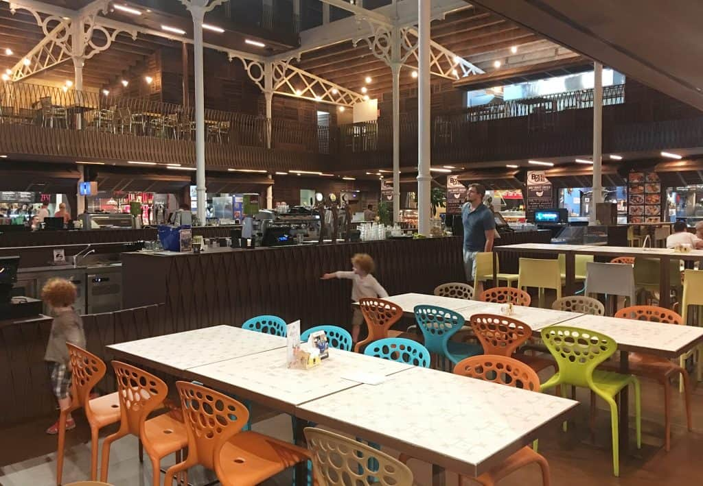 Walking in Valletta we found this modern street food market (Eataly style) where even the more difficult kids would find soothing to eat. You can't miss it is on one of the main street (merchants st)
